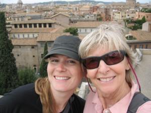 Lola and Mamasita, in Roma
